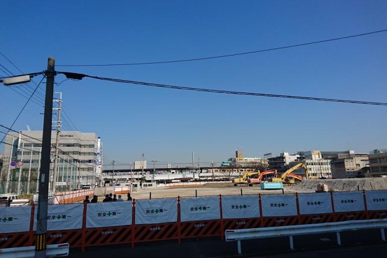 八戸の里駅前の西友跡地で大規模な工事が!?スーパー「ライフ」が進出するらしいですよ。