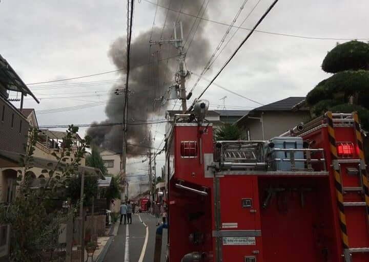 【東大阪市】黒煙に爆発音!俊徳町5丁目付近でマンション火災が発生しました!
