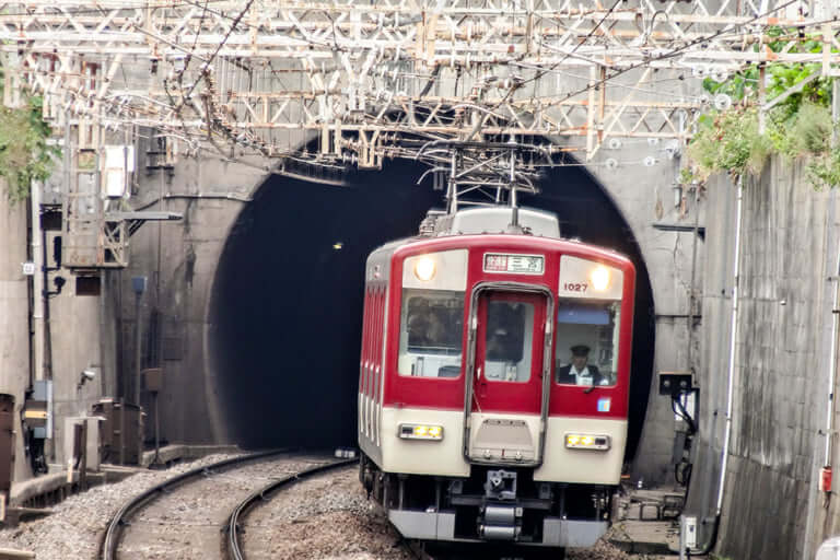 【東大阪市】河内小阪駅の構内で起きた人身事故。近鉄奈良線で一時運休。現在も遅延継続中。